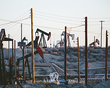 Crude oil extraction from Monterey Shale near Bakersfield, Kern County, California, USA