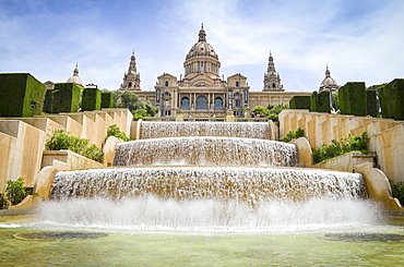 The magic fountain of Montjuïc with the Museu Nacional d'Art de Catalunya in the background, Barcelona, Catalonia, Spain