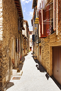 Alleyway in France, Clans, Alpes Maritimes, Southern France, Europe