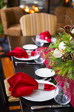Christmas table and centerpiece in dining room