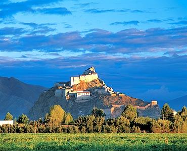 Zongsam Castle, Gyangze