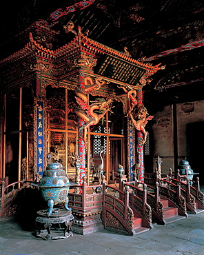 The throne in Chongzheng Hall, Shenyang Imperial Palace