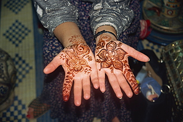 Hands with henna design, Morocco, North Africa, Africa