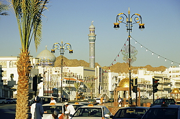 Taxi rank along Corniche Road, Muttrah, Muscat, Oman, Middle East