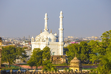 View of Teele Wali Mosque (Mosque on the Mound), at the Tomb of Shah Peer Muhammad, Lucknow, Uttar Pradesh, India, Asia