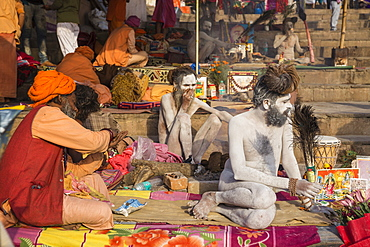 Hindu holy men, Dashashwamedh Ghat, the main ghat on the Ganges River, Varanasi, Uttar Pradesh, India, Asia