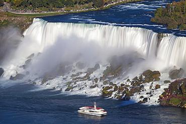 View of The American and Bridal Veil Falls, Niagara Falls, Niagara, border of New York State, United States of America, and Ontario, Canada, North America