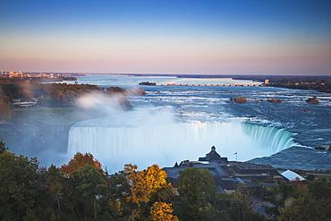 View of Table Rock visitor center and Horseshoe Falls, Niagara Falls, Niagara, border of New York State, and Ontario, Canada, North America