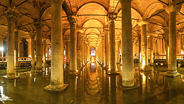 Basilica Cistern (Yerebatan Sarayi) (Sunken Palace), Istanbul, Turkey, Europe