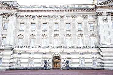 Grenadier Guards at Buckingham Palace, London, England, United Kingdom, Europe