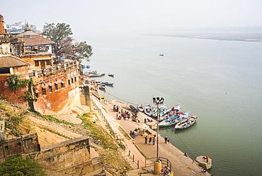 Banks of River Ganges in Varanasi, Uttar Pradesh, India, Asia