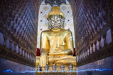 Gold Buddha statue at a Buddhist Temple at Inle Lake, Shan State, Myanmar (Burma), Asia
