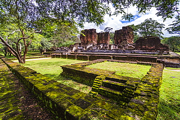 Ruins of Parakramabahu's Royal Palace, Polonnaruwa, UNESCO World Heritage Site, Cultural Triangle, Sri Lanka, Asia