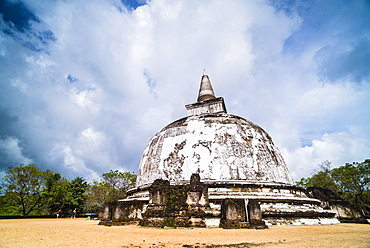 Kiri Vehera Dagoba in the Ancient City of Polonnaruwa, UNESCO World Heritage Site, Sri Lanka, Asia