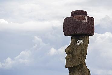 Preserved original moai in the Tahai Archaeological Zone, Rapa Nui National Park, UNESCO World Heritage Site, Easter Island (Isla de Pascua), Chile, South America