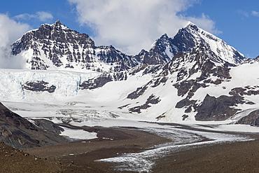 Snow-capped peaks surround St. Andrews Bay, South Georgia, Polar Regions