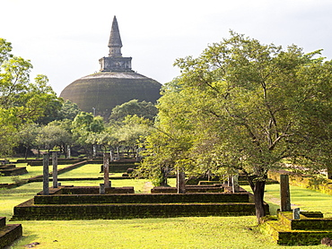 Rankoth Vehera, a stupa at Polonnaruwa, UNESCO World Heritage Site, Sri Lanka, Asia