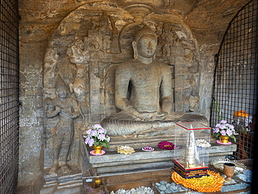 Vidyhadhara Guha inside the Gal Viharaya, UNESCO World Heritage Site, Polonnaruwa, Sri Lanka, Asia