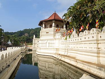 Sri Dalada Maligawa (Temple of the Sacred Tooth Relic), UNESCO World Heritage Site, Kandy, Sri Lanka, Asia