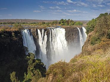 View of Victoria Falls on the Zambezi River, UNESCO World Heritage Site, straddling the border of Zambia and Zimbabwe, Africa