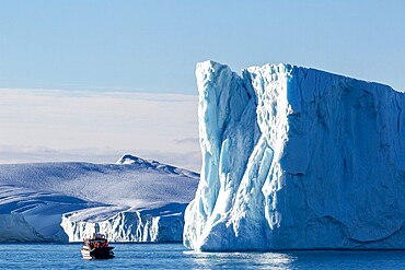 Tours amongst icebergs calved from the Jakobshavn Isbrae glacier, UNESCO World Heritage Site, Ilulissat, Greenland, Polar Regions