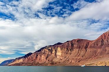 Mackenzie Bay (Mackenzie Bugt), a bay of the Greenland Sea in King Christian X Land, Greenland, Polar Regions