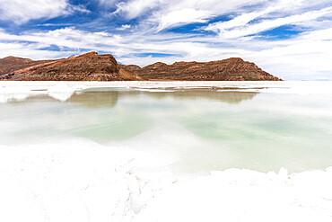 The salt flats near Coqueza, a small town near the Thunupa Volcano, Salar de Uyuni, Daniel Campos Province, Bolivia.
