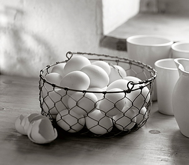 Eggs in a basket, Kitchen, Food