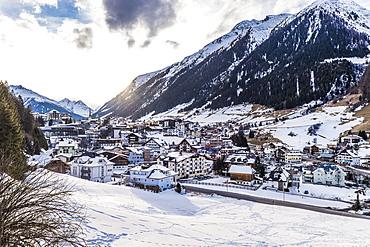 view to Kaprun and the Kitzsteinhorn, Salzburger Land, Austria, Europe