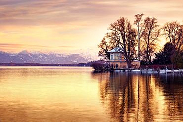 Sunset at Lake Starnberg, mountain view, Brahmspromenade, Tutzing, Bavaria, Germany