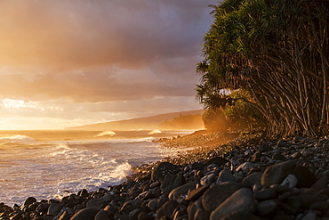 Hamakua coastline at sunrise, Lapahoehoe Nui Valley, Island of Hawaii, Hawaii, United States of America