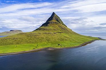 Kirkjufell mountain on the Snaefellsnes Peninsula, Iceland
