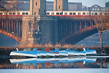 Train moving on the bridge with sail boats in the river, Longfellow Bridge, Charles River, Boston, Suffolk County, Massachusetts, USA