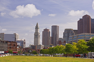 Buildings in a city, Custom House Tower, Rose Kennedy Greenway, Boston, Suffolk County, Massachusetts, USA