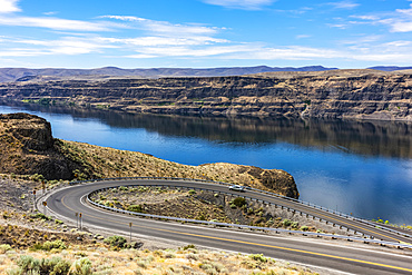 A switchback road leading to the town of Sunland, Washington on the bank of Wanapum Lake on the the Columbia River; Sunland, Washington, United States of America