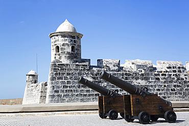 Cannon, Castillo de San Salvador de la Punta, Central; Havana, Cuba
