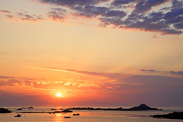 Sunset at Cobo Bay, Guernsey, Channel Islands, United Kingdom, Europe