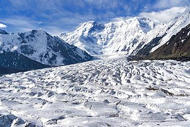 View over the Central Tian Shan Mountain range, Border of Kyrgyzstan and China, Kyrgyzstan, Central Asia, Asia