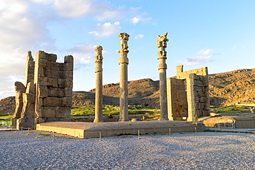 Gate of All-Lands, Persepolis, UNESCO World Heritage Site, Fars Province, Islamic Republic of Iran, Middle East