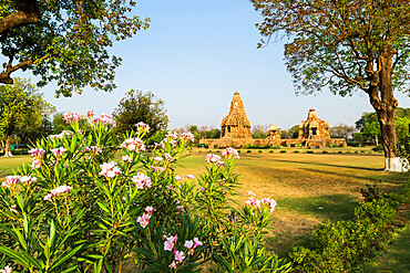 Devi Jagadambika and Kandariya Mahadeva Temple (the Great God of the Cave), Khajuraho Group of Monuments, UNESCO World Heritage Site, Madhya Pradesh state, India, Asia