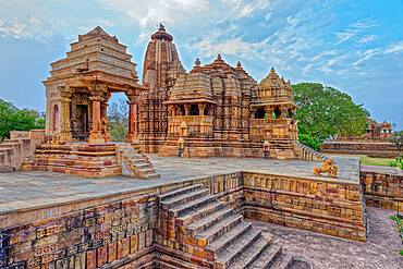 Devi Jagadambika (Jagadambika Temple), Khajuraho Group of Monuments, UNESCO World Heritage Site, Madhya Pradesh state, India, Asia