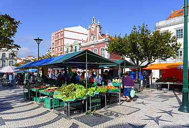 Fruit and vegetable stall, Farmer's market, Former City hall behind, Republic Square, Caldas da Rainha, Estremadura, Portugal, Europe