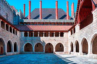 Palace of the Dukes of Bragan?a, Inner courtyard, Guimaraes, Minho, Portugal