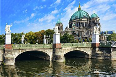 Berlin Cathedral and Schloss bridge, Unesco World Heritage Site, Museum Island, Unter den Linden, Berlin, Germany
