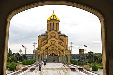 Holy Trinity Cathedral viewed through arches, Tbilisi, Georgia, Caucasus, Asia