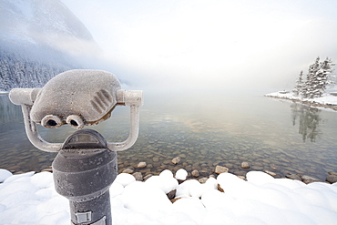Frosty viewer scope, Lake Louise, Banff National Park, UNESCO World Heritage Site, Rocky Mountains, Alberta, Canada, North America