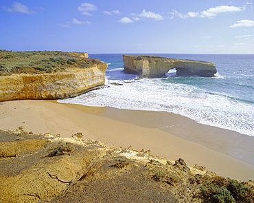 Rock formation known as London Bridge, Great Ocean Road, Victoria, Australia
