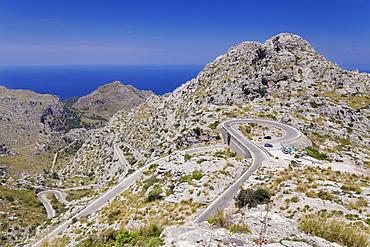 Serpentine road to the bay Cala de Sa Calobra, Majorca (Mallorca), Balearic Islands (Islas Baleares), Spain, Mediterranean, Europe