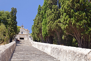 Stairway to calvary with chapel, Pollenca, Majorca (Mallorca), Balearic Islands (Islas Baleares), Spain, Mediterranean, Europe
