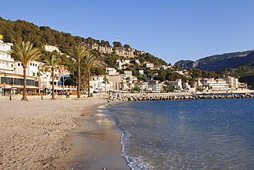 Playa d'Es Traves Beach at  Passeig Es Traves Promenade, Port de Soller, Majorca (Mallorca), Balearic Islands, Spain, Mediterranean, Europe